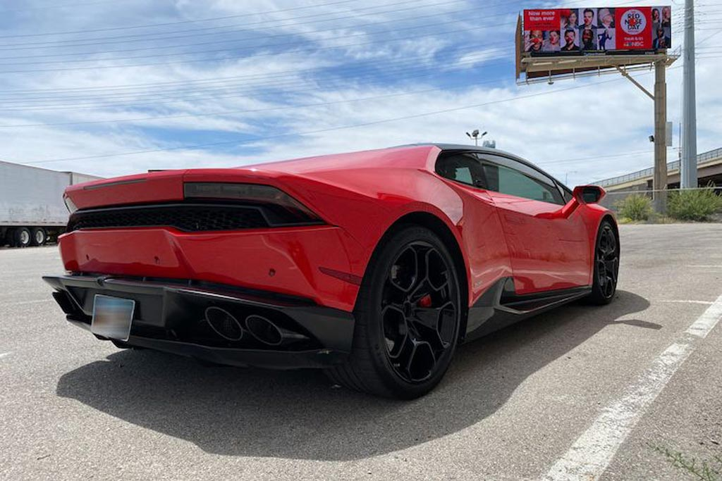 Поматросили и бросили: в США продают Lamborghini Huracan с пробегом более 300 000 км