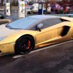 Сотни брошенных люксовых автомобилей в Дубае: почему так происходит?