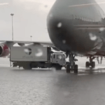 Из-за сильного дождя в Москве затопило аэропорт Шереметьево (видео)