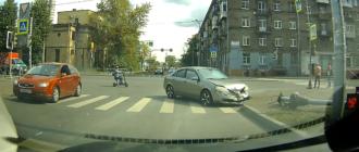 В Питере «Ниссан» сбил светофор и уехал как ни в чем не бывало (видео)