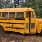 Заброшенный церковный автобус помыли впервые за 25 лет: вот что с ним стало